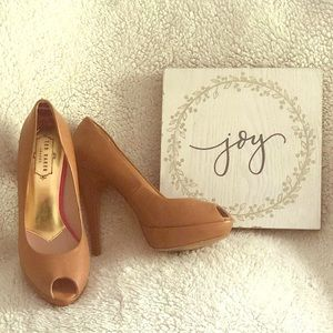 ✨Ted Baker Leather Peep toe Heels/ Excellent